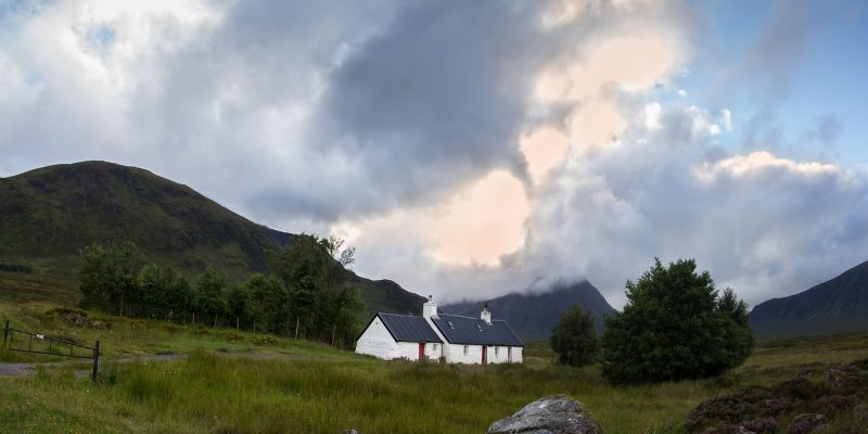 negro-rock-cottage